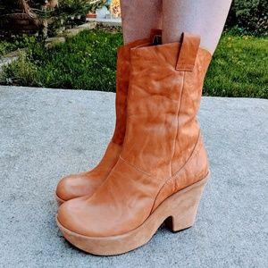 Kork- Ease Tan Leather Platform Boots